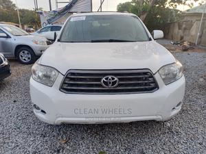 Toyota Highlander 2009 Limited White   Cars for sale in Abuja (FCT) State, Central Business Dis