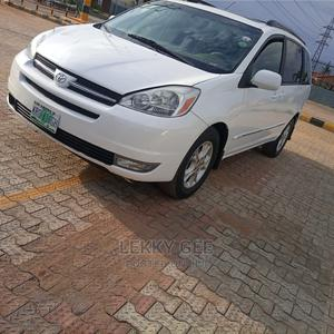 Toyota Sienna 2004 White   Cars for sale in Lagos State, Alimosho