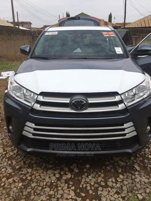 Toyota Highlander 2018 XLE 4x2 V6 (3.5L 6cyl 8A) Blue | Cars for sale in Delta State, Warri