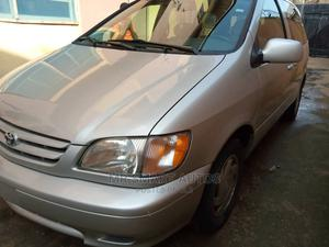 Toyota Sienna 2002 LE Gold | Cars for sale in Lagos State, Amuwo-Odofin