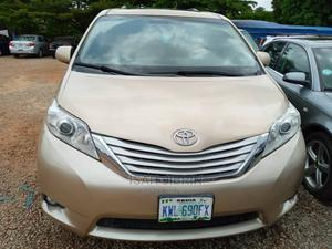 Toyota Sienna 2008 Gold | Cars for sale in Abuja (FCT) State, Gudu