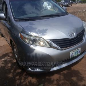 Toyota Sienna 2010 LE 8 Passenger Silver | Cars for sale in Abuja (FCT) State, Gudu