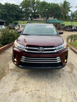 Toyota Highlander 2015 Red   Cars for sale in Lagos State, Alimosho