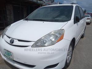 Toyota Sienna 2009 LE White   Cars for sale in Lagos State, Amuwo-Odofin