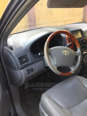 Toyota Sienna 2009 XLE Limited AWD Blue | Cars for sale in Ogun State, Sagamu
