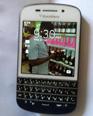 BlackBerry Q10 16 GB Black | Mobile Phones for sale in Lagos State, Ajah