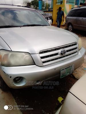 Toyota Highlander 2005 4x4 Silver | Cars for sale in Lagos State, Isolo
