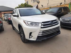 Toyota Highlander 2017 XLE 4x4 V6 (3.5L 6cyl 8A) White   Cars for sale in Lagos State, Ajah