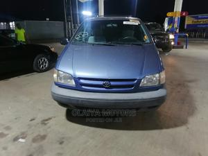 Toyota Sienna 2000 LE & 1 Hatch Blue   Cars for sale in Lagos State, Oshodi