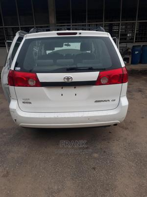 Toyota Sienna 2008 White | Cars for sale in Lagos State, Yaba