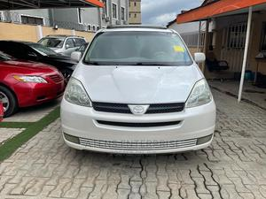 Toyota Sienna 2004 XLE FWD (3.3L V6 5A) White   Cars for sale in Lagos State, Ogba