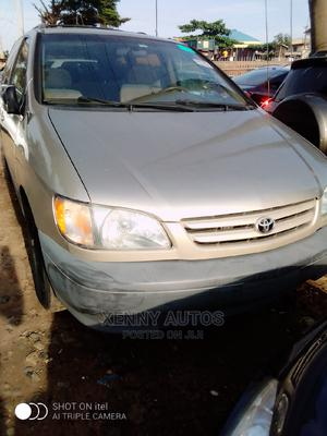 Toyota Sienna 2001 CE Gold | Cars for sale in Lagos State, Isolo