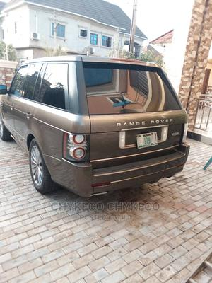 Land Rover Range Rover Vogue 2010 Gold | Cars for sale in Abuja (FCT) State, Central Business Dis