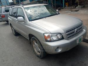 Toyota Highlander 2004 Silver   Cars for sale in Lagos State, Amuwo-Odofin