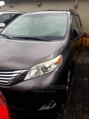 Toyota Sienna 2010 XLE 7 Passenger Gray | Cars for sale in Lagos State, Surulere