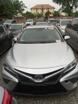 Toyota Camry 2018 SE FWD (2.5L 4cyl 8AM) Silver   Cars for sale in Abuja (FCT) State, Lokogoma