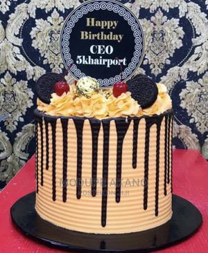 Apple Sponge Cake,Yellow Cake and Color Step Cake | Meals & Drinks for sale in Lagos State, Lekki