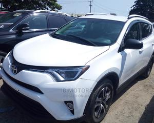 Toyota RAV4 2016 XLE AWD (2.5L 4cyl 6A) White | Cars for sale in Lagos State, Amuwo-Odofin