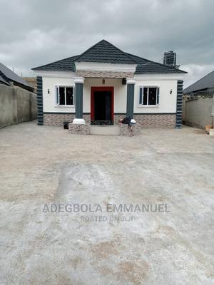 Furnished 3bdrm Bungalow in Hope,Road, Alakia for Sale | Houses & Apartments For Sale for sale in Ibadan, Alakia