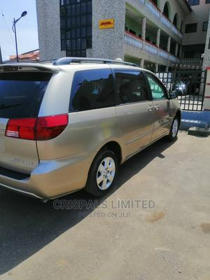 Toyota Sienna 2005 LE AWD Gold   Cars for sale in Lagos State, Ajah