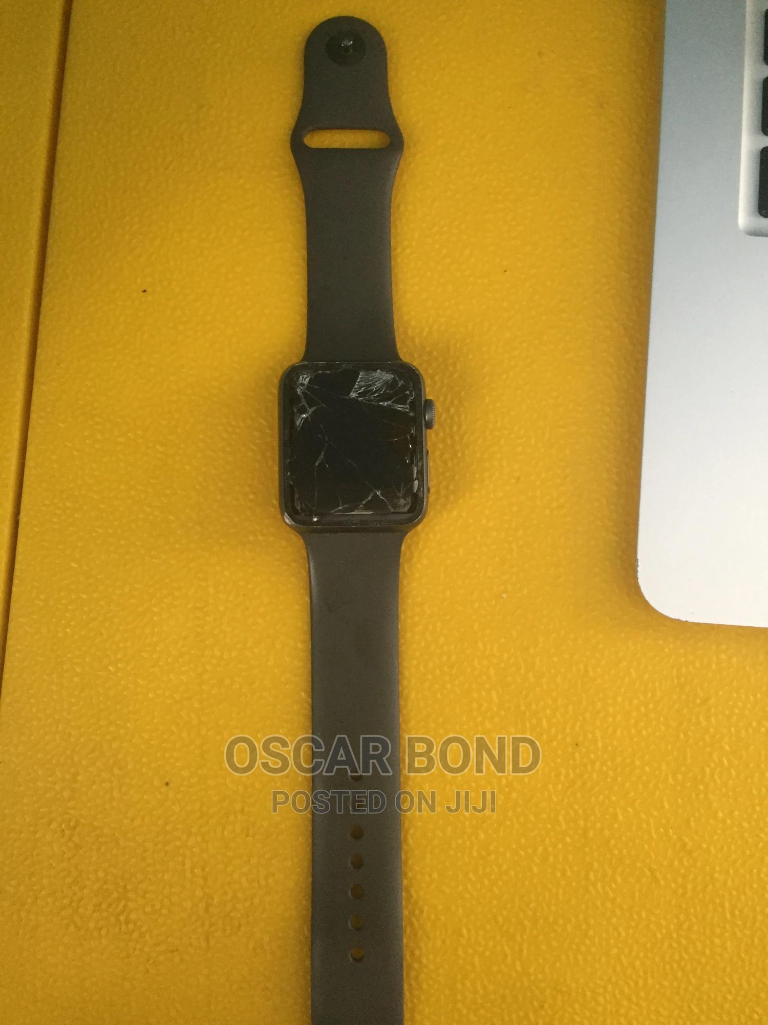 Apple Series 3 Watch | Smart Watches & Trackers for sale in Lekki, Lagos State, Nigeria
