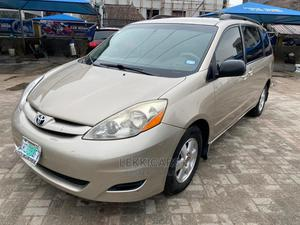 Toyota Sienna 2008 LE AWD Gold   Cars for sale in Lagos State, Ajah