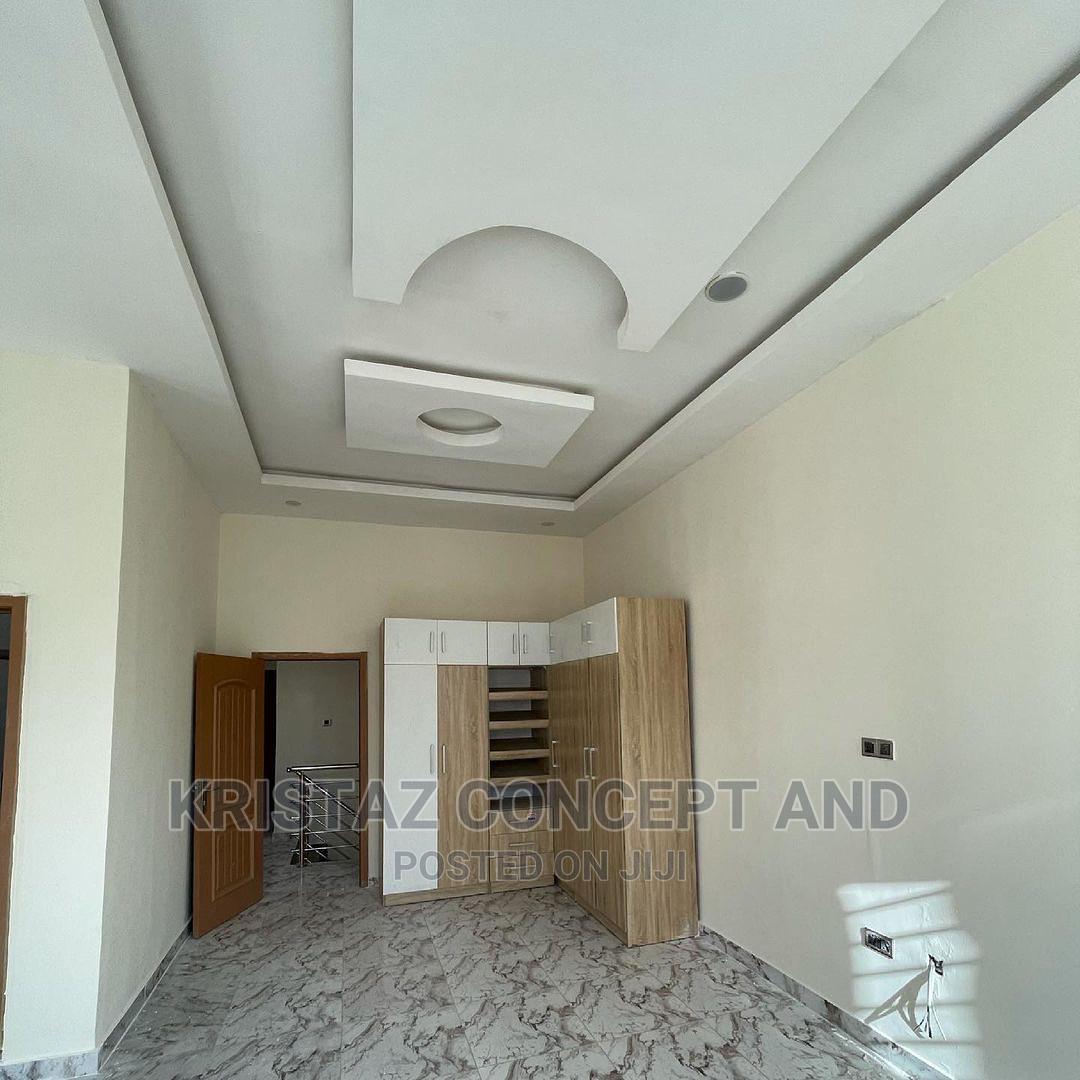 Archive: 4bdrm Duplex in Vgc, Lekki Phase 2 for Sale