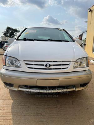 Toyota Sienna 2003 XLE White   Cars for sale in Abuja (FCT) State, Asokoro
