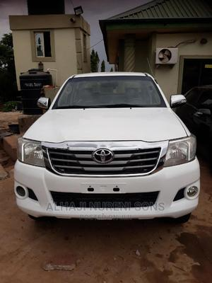 Toyota Hilux 2009 2.7 VVT-i 4X4 SRX White   Cars for sale in Kaduna State, Kaduna / Kaduna State