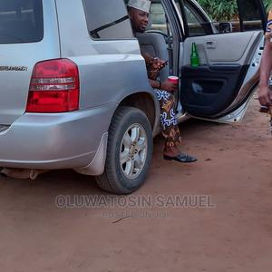 Toyota Highlander 2003 V6 AWD Silver | Cars for sale in Lagos State, Abule Egba