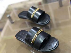 Black Cover Palm Slippers With Chain   Shoes for sale in Lagos State, Mushin