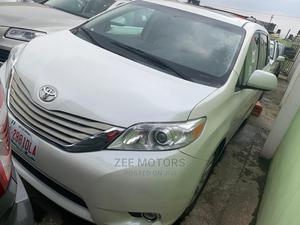 Toyota Sienna 2012 XLE 7 Passenger Mobility White | Cars for sale in Lagos State, Ogba