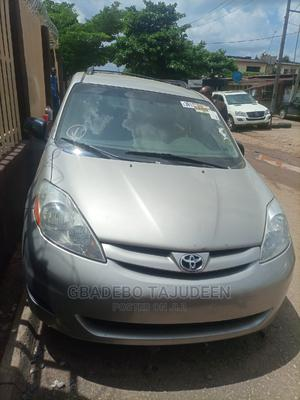 Toyota Sienna 2006 LE FWD Silver   Cars for sale in Lagos State, Alimosho