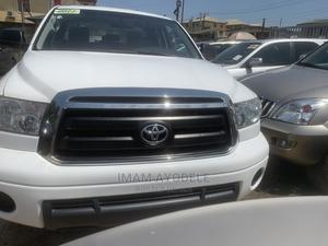 Toyota Tundra 2011 CrewMax 4x4 Limited White | Cars for sale in Lagos State, Isolo