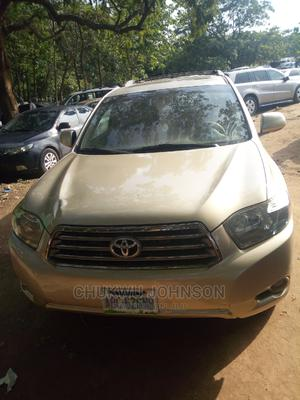 Toyota Highlander 2010 Gold | Cars for sale in Abuja (FCT) State, Durumi