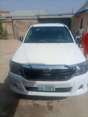 Toyota Hilux 2010 2.5 D-4d 4X4 SRX White | Cars for sale in Kaduna State, Zaria