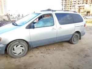 Toyota Sienna 2000 XLE & 1 Hatch Gray   Cars for sale in Lagos State, Ajah