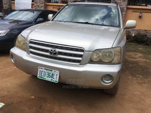 Toyota Highlander 2003 Gold | Cars for sale in Lagos State, Alimosho
