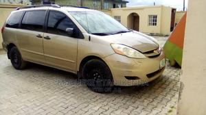 Toyota Sienna 2007 LE 4WD Gold   Cars for sale in Lagos State, Ajah