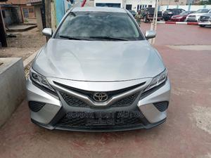 Toyota Camry 2018 SE FWD (2.5L 4cyl 8AM) Silver   Cars for sale in Lagos State, Magodo