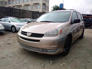 Toyota Sienna 2005 LE AWD Gold | Cars for sale in Lagos State, Isolo