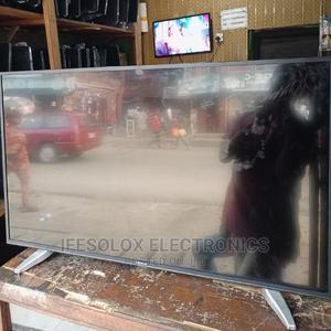 43 Inch Hisense Smart 4K UHD LED TV - London Used | TV & DVD Equipment for sale in Lagos State, Ojo