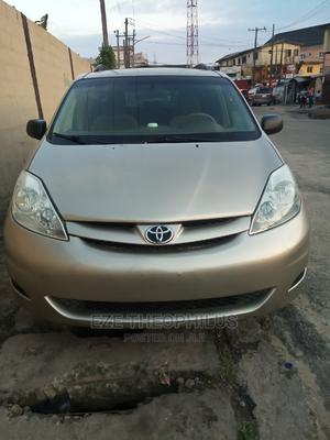 Toyota Sienna 2006 LE AWD Gold   Cars for sale in Lagos State, Surulere
