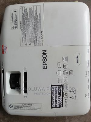 Epson Projector With Wide Image HDMI Wireless Projector   TV & DVD Equipment for sale in Lagos State, Lagos Island (Eko)