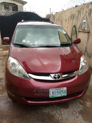 Toyota Sienna 2007 XLE Limited 4WD Red | Cars for sale in Lagos State, Abule Egba