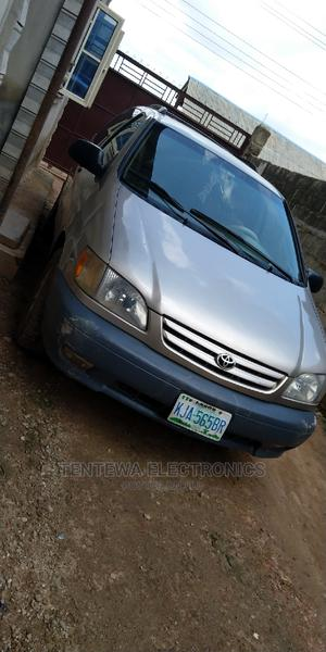 Toyota Sienna 2001 LE Gold | Cars for sale in Lagos State, Ifako-Ijaiye