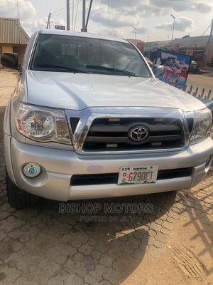 Toyota Tacoma 2011 Access Cab V6 Automatic Silver | Cars for sale in Abuja (FCT) State, Dakwo District