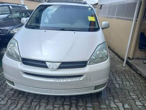 Toyota Sienna 2004 Silver | Cars for sale in Lagos State, Ogba
