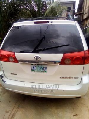 Toyota Sienna 2008 XLE White   Cars for sale in Lagos State, Ilupeju
