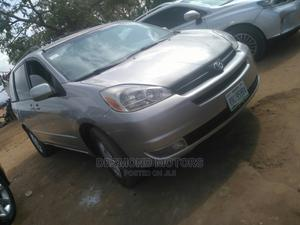 Toyota Sienna 2008 Silver | Cars for sale in Abuja (FCT) State, Apo District
